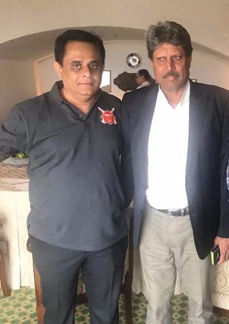 (L-R) Tarun Chauhan with Kapil Dev at the flag off of wonder sath 7