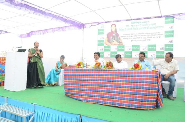Photo 1 -Right to left - Dr Deewakar, Dr. Wilson Davor, Dr. CS Singh, Rajendra Singh, mamta sharing the sucess story - Copy.JPG